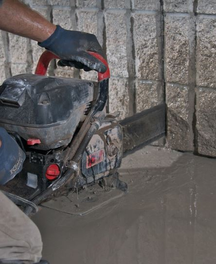 cutting foundation with hand saw chainsaw to prevent over cutting