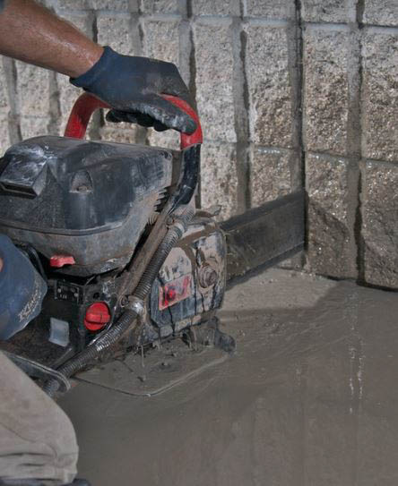cutting-foundation-with-hand-saw-chainsaw-to-prevent-over-cutting1